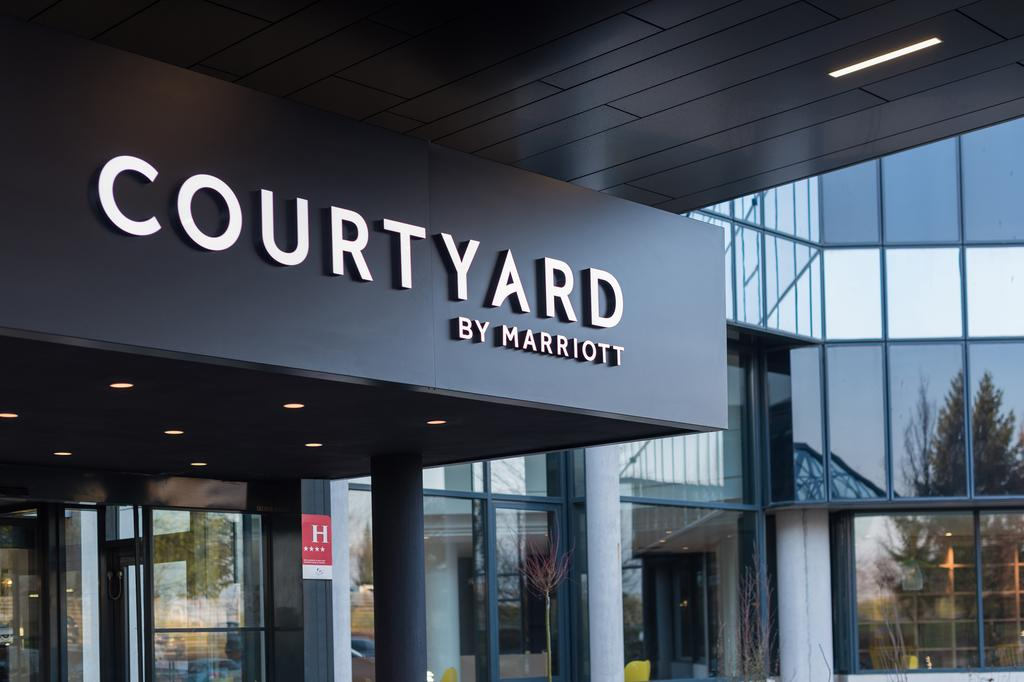 Courtyard by Marriott Paris CDG
