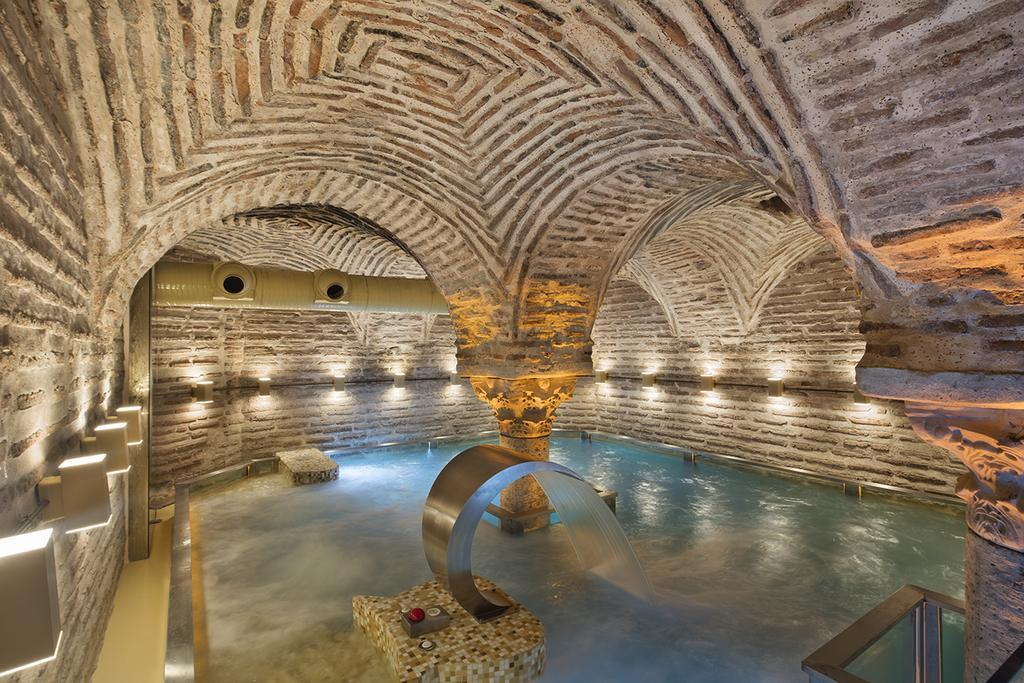 Hagia Sofia Mansions Istanbul pool